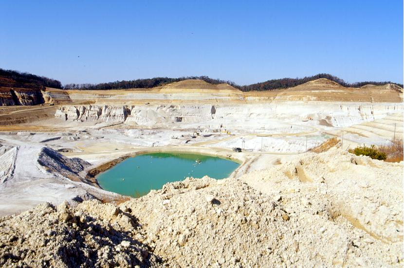 珪砂採掘場